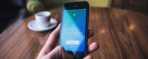 Seguire i social network dei brand. Come prepararsi al Black Friday