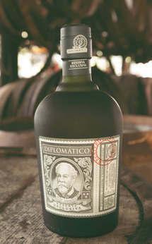 Bottiglia di Rum Diplomàtico